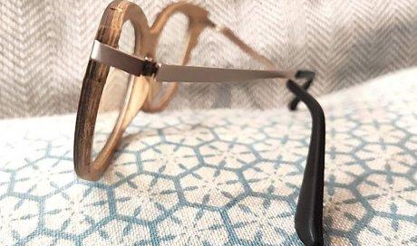 Fabrication et montage de lunettes éco-responsable en bois et métal à Lyon